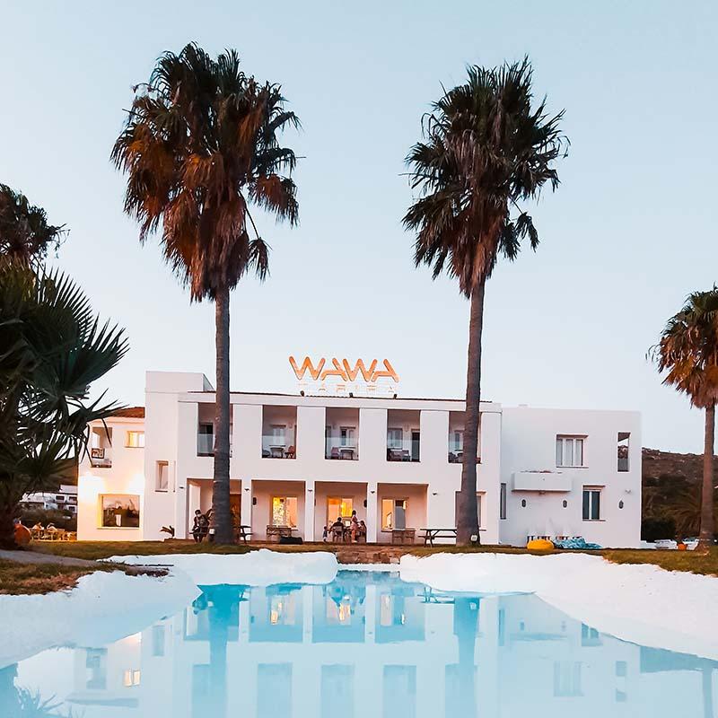 el hotel deade la piscina en tarifa