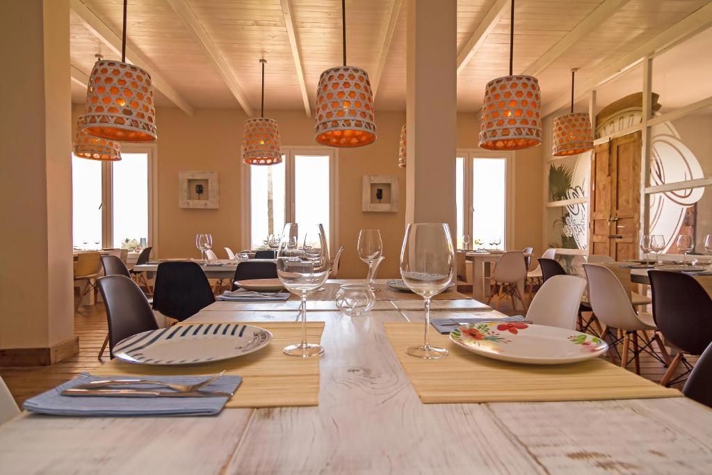 mesa puestadel restaurante del hotel wawa tarifa